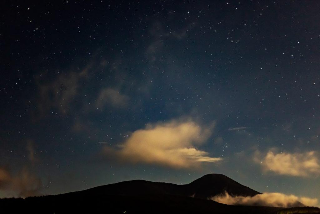 2020年8月27日、信州たてしな 白樺高原の蓼科第二牧場にて夜の風景2