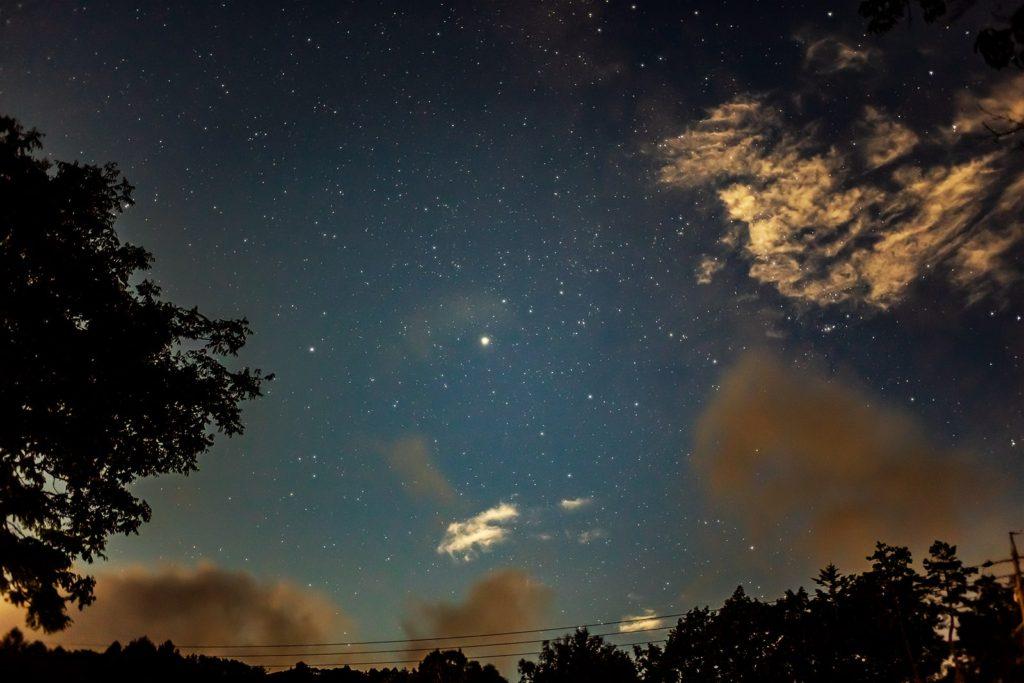 2020年9月2日、信州たてしな 白樺高原の白樺湖から南方向、夜の風景