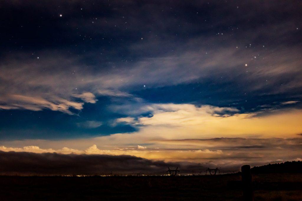 2020年9月4日、信州たてしな 白樺高原の蓼科第二牧場から北東方向、夜の風景