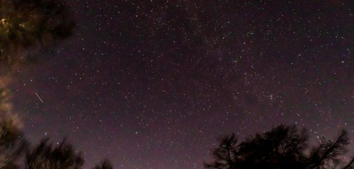 2020年11月19日、信州たてしな 白樺高原の蓼科第二牧場から北方向、夜の風景