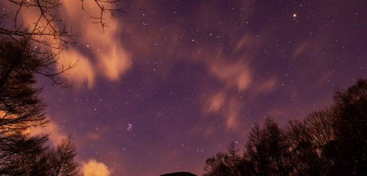 2020年12月11日、信州たてしな 白樺高原の夕陽の丘公園から、夜の星空風景2