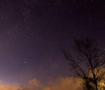 2021年1月2日、信州たてしな 白樺高原の夕陽の丘公園から西北、夜の星空風景