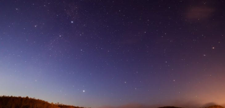 2021年1月16日、信州たてしな 白樺高原の女神湖畔から、夜の星空風景2。
