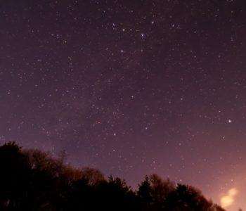 2021年1月18日、信州たてしな 白樺高原の三望台から、夜景と星空の風景