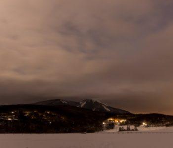 2021年1月26日、信州たてしな 白樺高原の蓼科第二牧場から、夜の風景